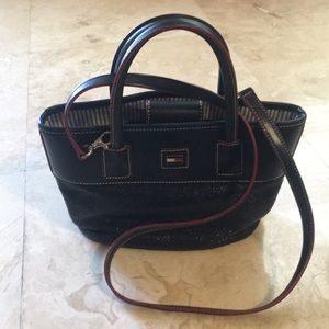 Beautiful Tommy Hilfiger Crossbody tote